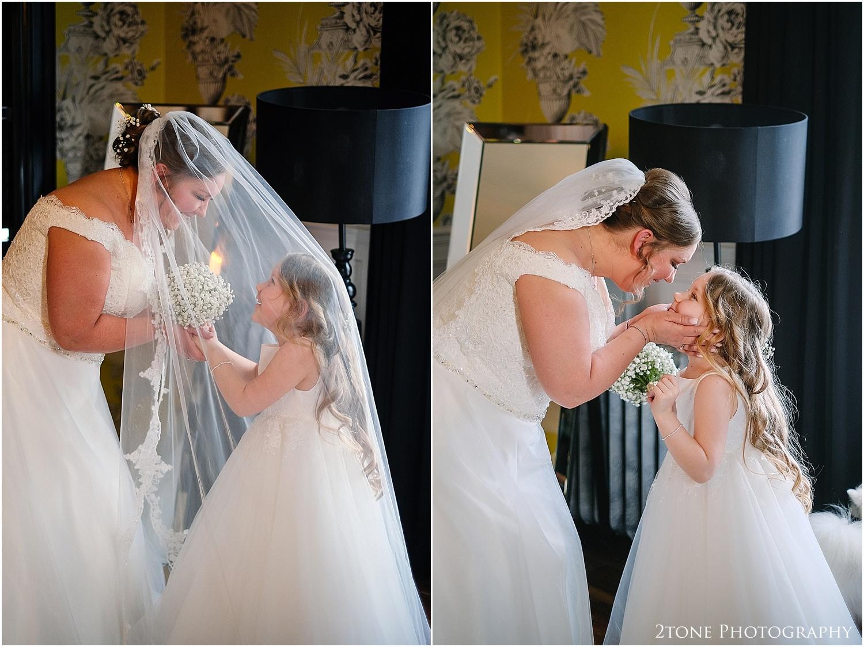 Woodhill Hall wedding photographer 09.jpg