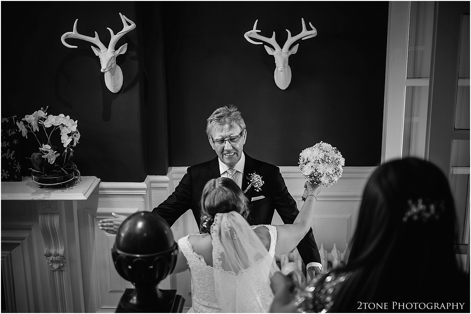 Woodhill Hall wedding photographer 22.jpg