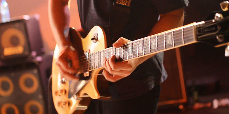 learn-acoustic-guitar-electric-guitars-lessons-tuition-in-kent-bromley-london-uk.jpg