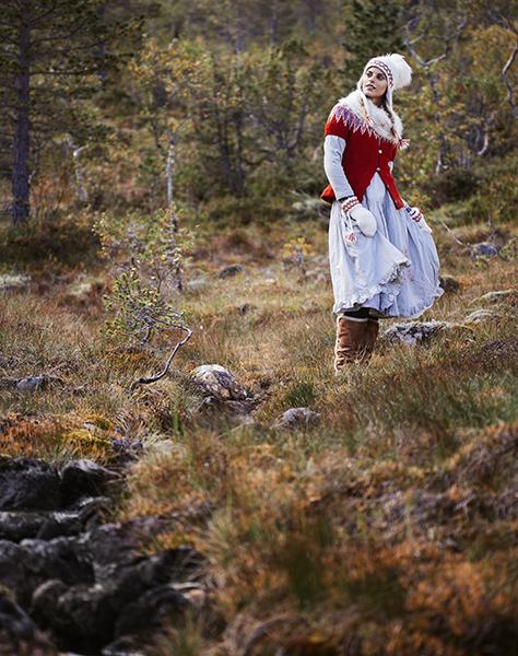 EmmaMattsson-Söndag-folklore5.jpg