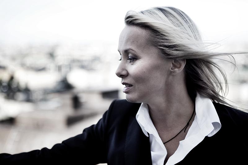 Louise Hoffsten - Border Music