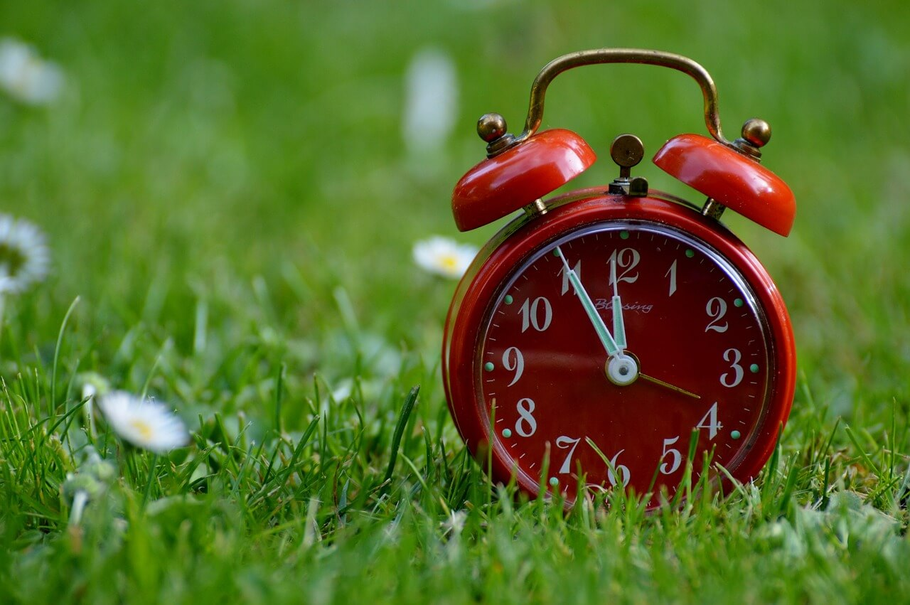 Best Monday morning alarm clock setting