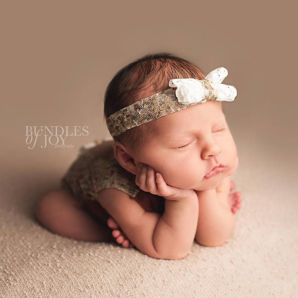 Newborn-portraits-by-Bundles-of-Joy-Photography.jpg
