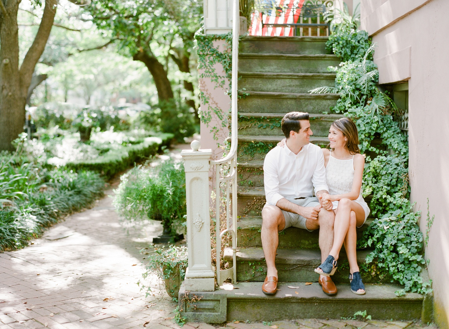 Downtown-Savannah-Georgia-Engagement-Session-By-The-Happy-Bloom_0096.jpg