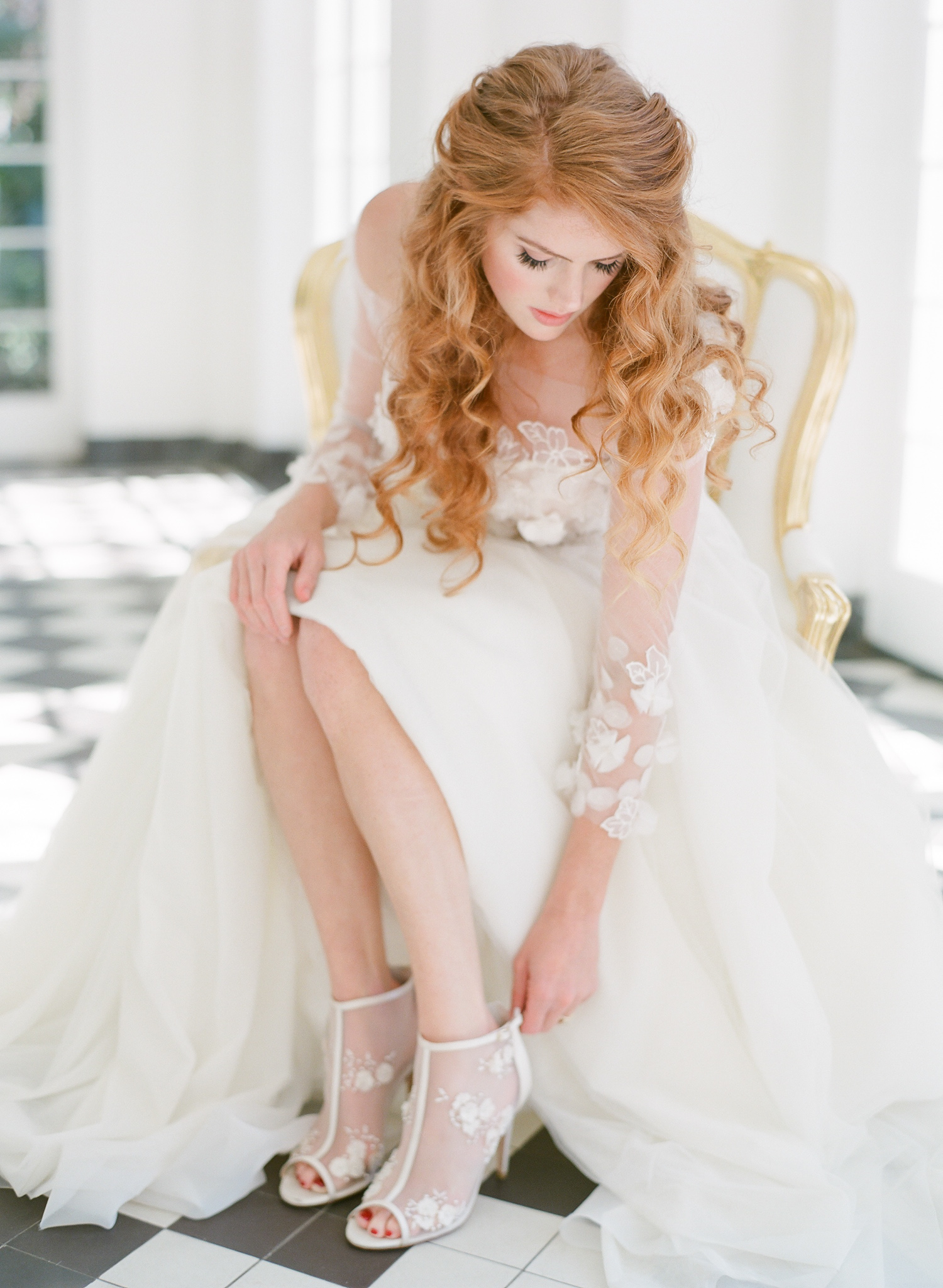 Bride-Wedding-Day-Shoes.jpg