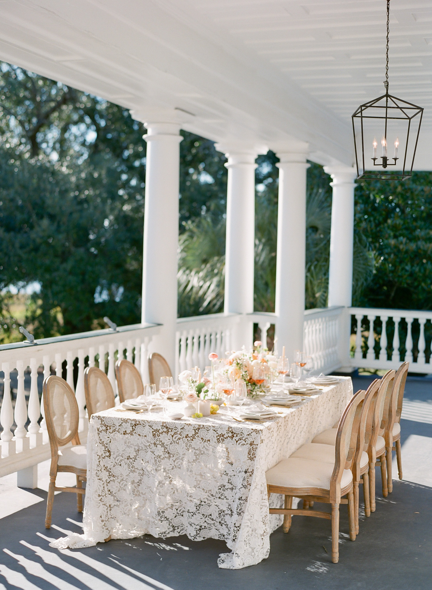 Charleston-Table-Wedding.jpg