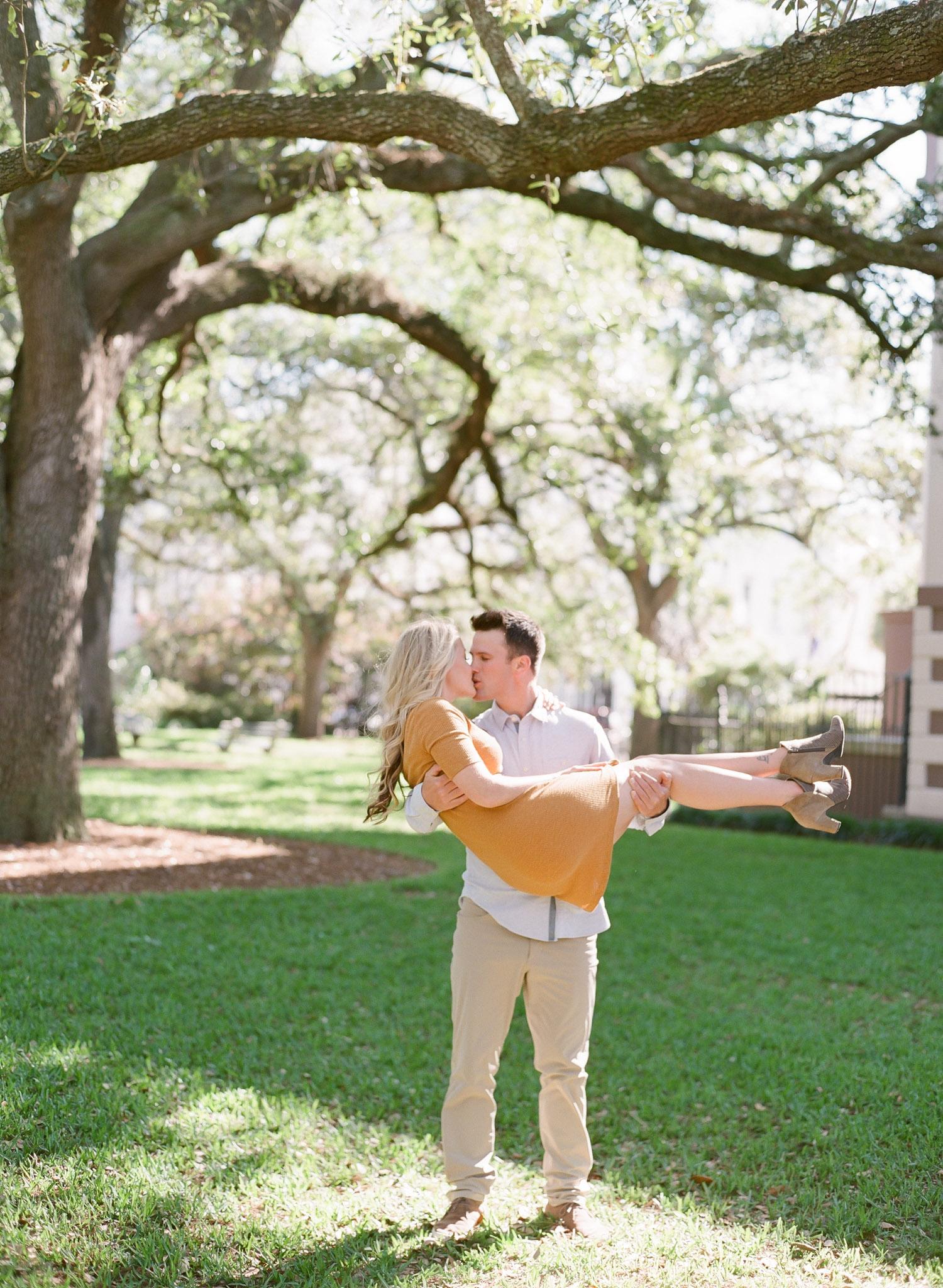 Charleston-Engagement-Downtown-18.jpg