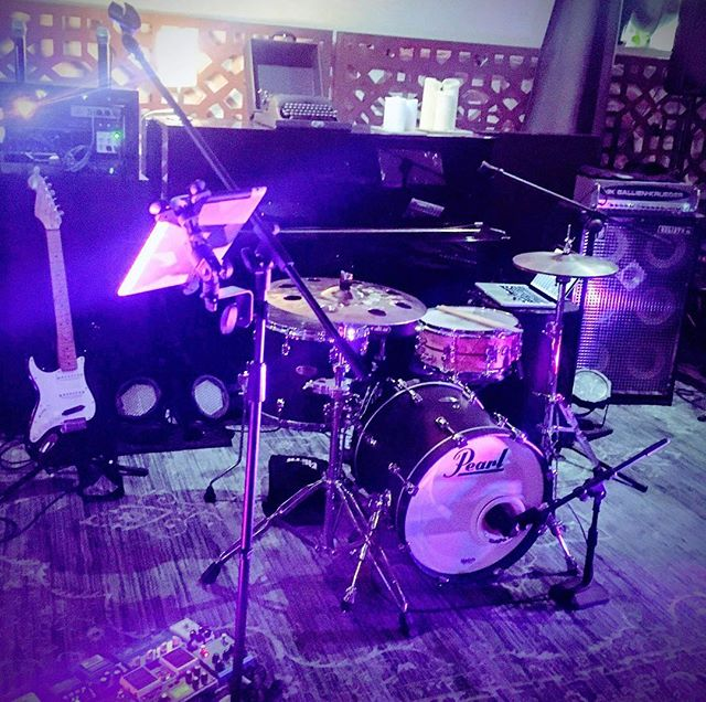 Throwback to Emma's 30th Birthday in #ballarat last weekend and @aaronmurraymusic getting the people dancing with  #johnybegood. . . . . . . #melbournewedding #melbourneweddings #melbourneweddingband #weddingbandmelbourne #weddingentertainment #melbourneentertainment #melbournecoverband #coverband #melbourneliveband #melbournelivemusic #livemusicmelbourne #liveband #melbournepartyband #partyband #melbourneevents #melbourneevent #melbournefunctions #functionband #corporateband #corporateevents #corporateparty #melbourneband #melbournemusic #trio #trioband #ballaratmusic