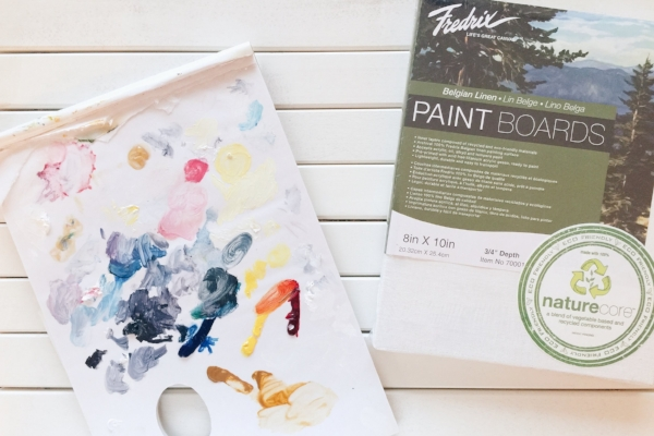 Disposable tear-off palettes are really handy. Fredrix Canvas Belgian Linen Paint Boards are my favourite.