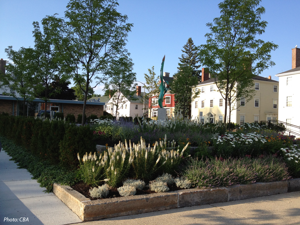 The Cape Ann Museum, in Gloucester's Historic district, replaced an unsound building across the street with a pocket park/plaza for public use and a small parking lot. CBA designed the space to visually connect the Museum and City Hall, create a setting for a significant piece of art, and provide a passive pocket park for tourists and residents. The new plaza has been a tremendous success, used by the Museum for functions and enjoyed by the general public.