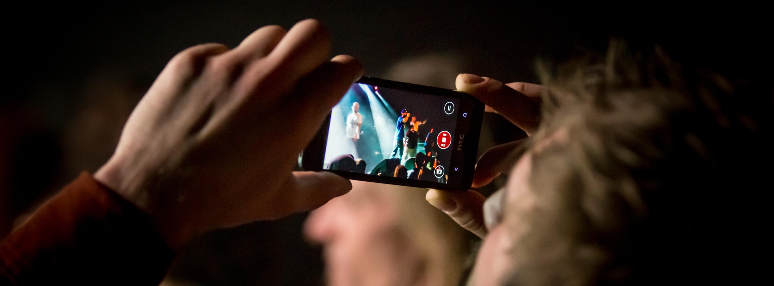 Smartphone oder DSLR Header