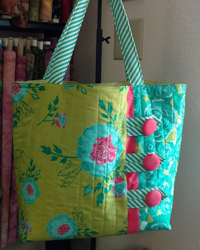 I just made my first Patti Dubreuil bag, if you haven't made one her patterns are amazing. Well written with lots of pictures for people like me who aren't pattern readers.