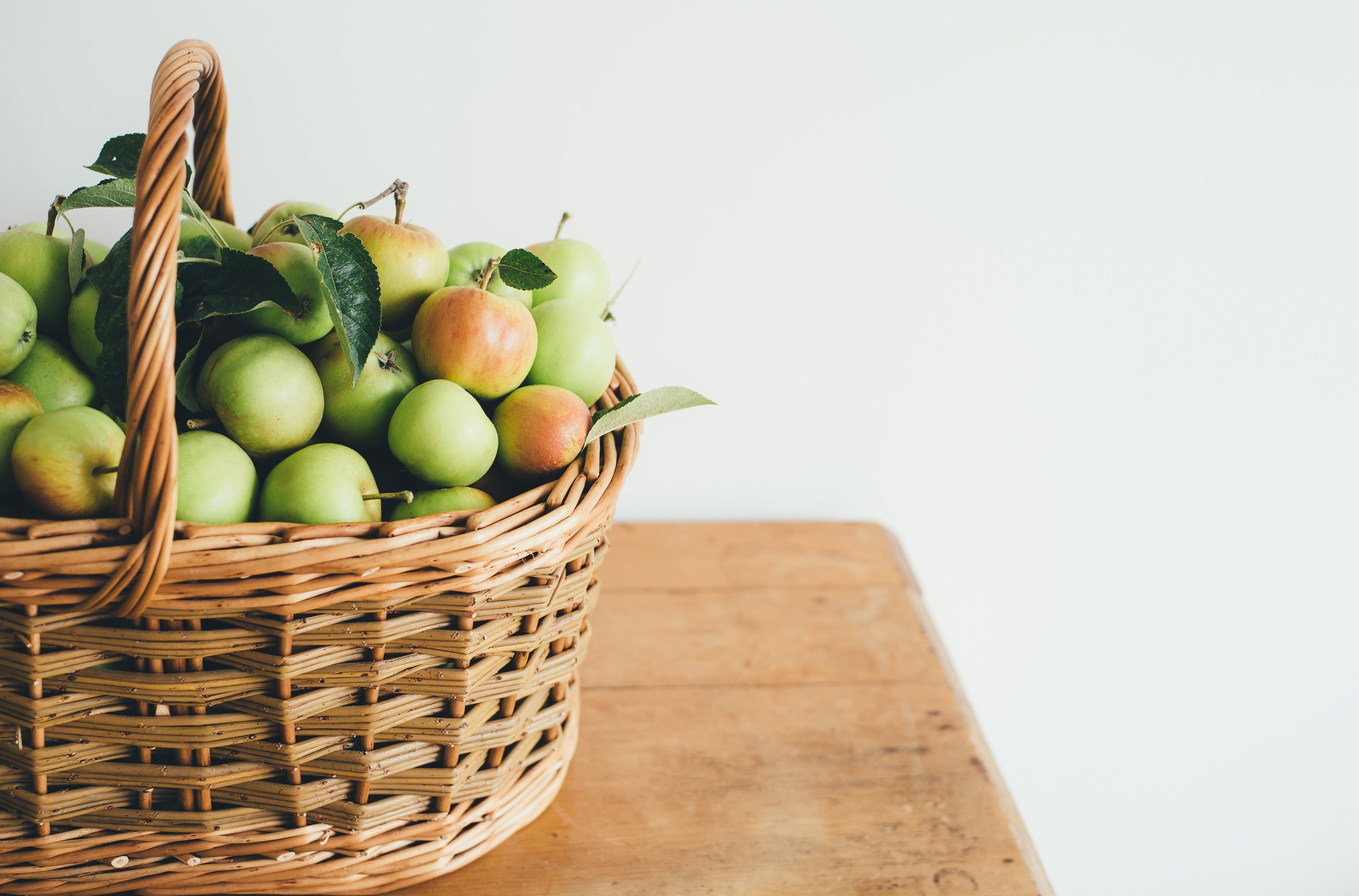 apple basket.jpg