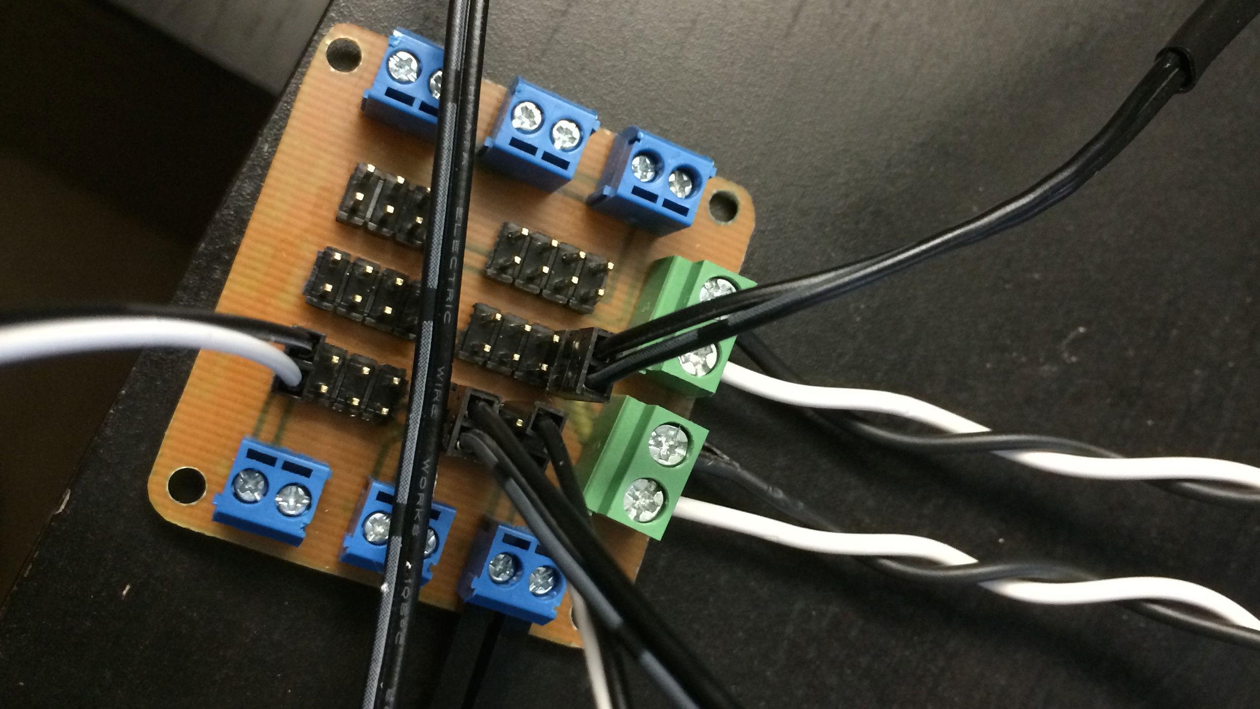 Power-Bus-Board-Top-Connectors.jpg