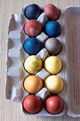 Naturally dyes. Photo Source: Andrea Pacheco