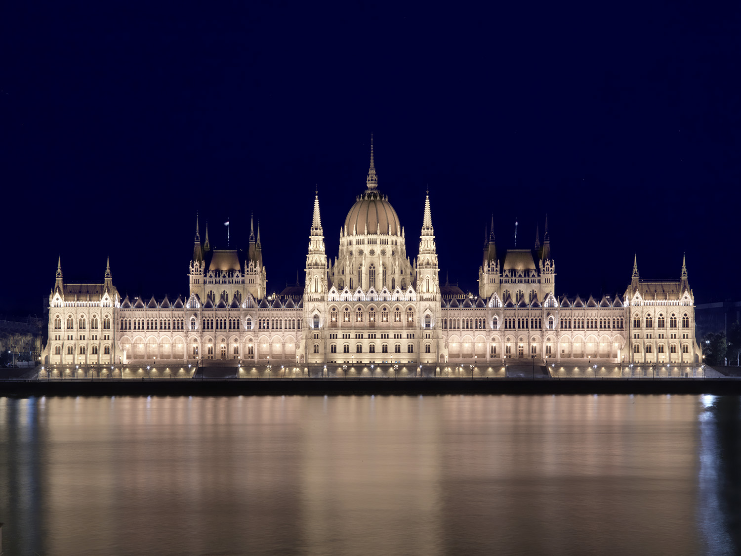 Parliament Building at Night_0009.jpg