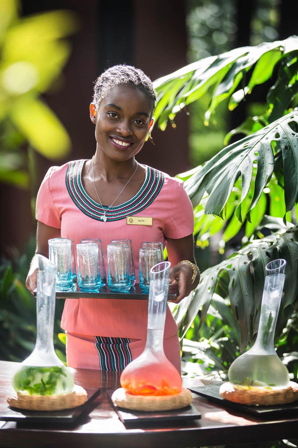 FMM Arrival Drinks Waitress 15.jpg