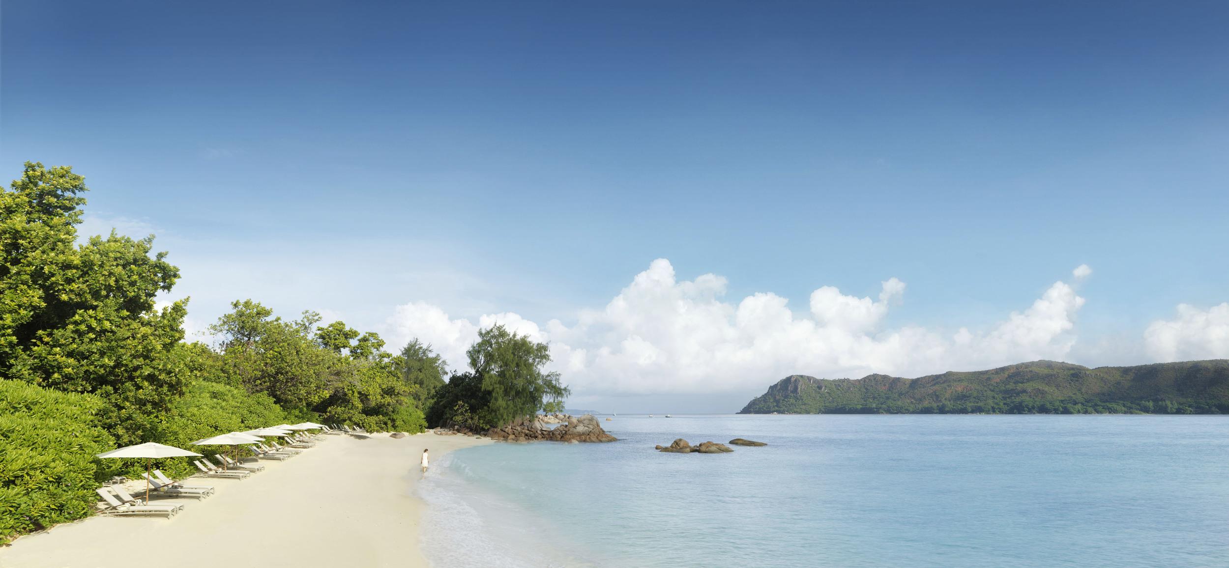 Raffles Takamaka Beach Lifestyle_0004 V1.jpg