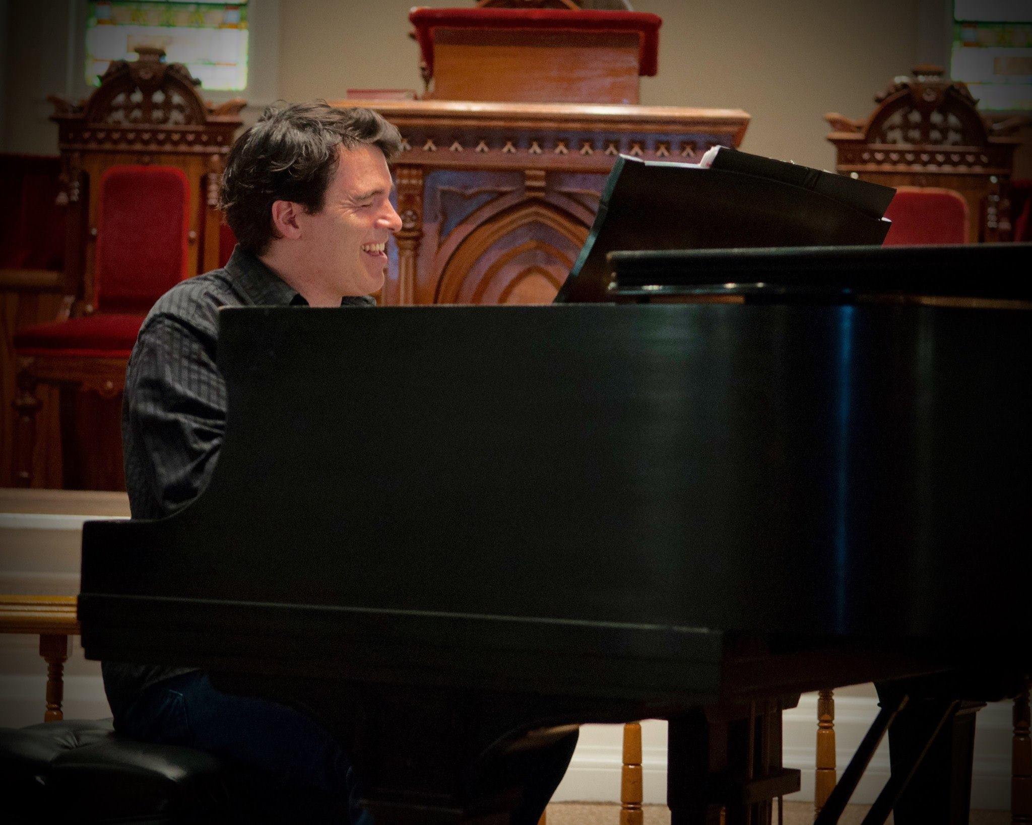 Jazz pianist, Daniel Kelly. Photo: Alicia Bodmer