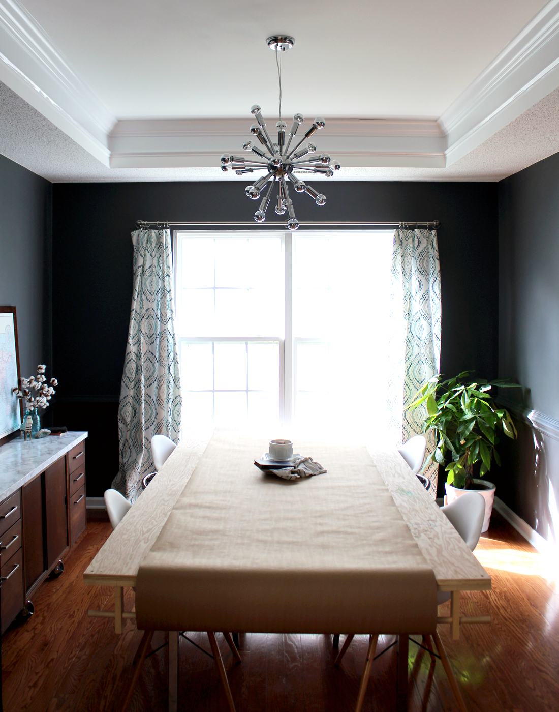a budget-friendly dining room makeover. walls painted a dark grey Sherwin Williams Peppercorn | tag&tibby
