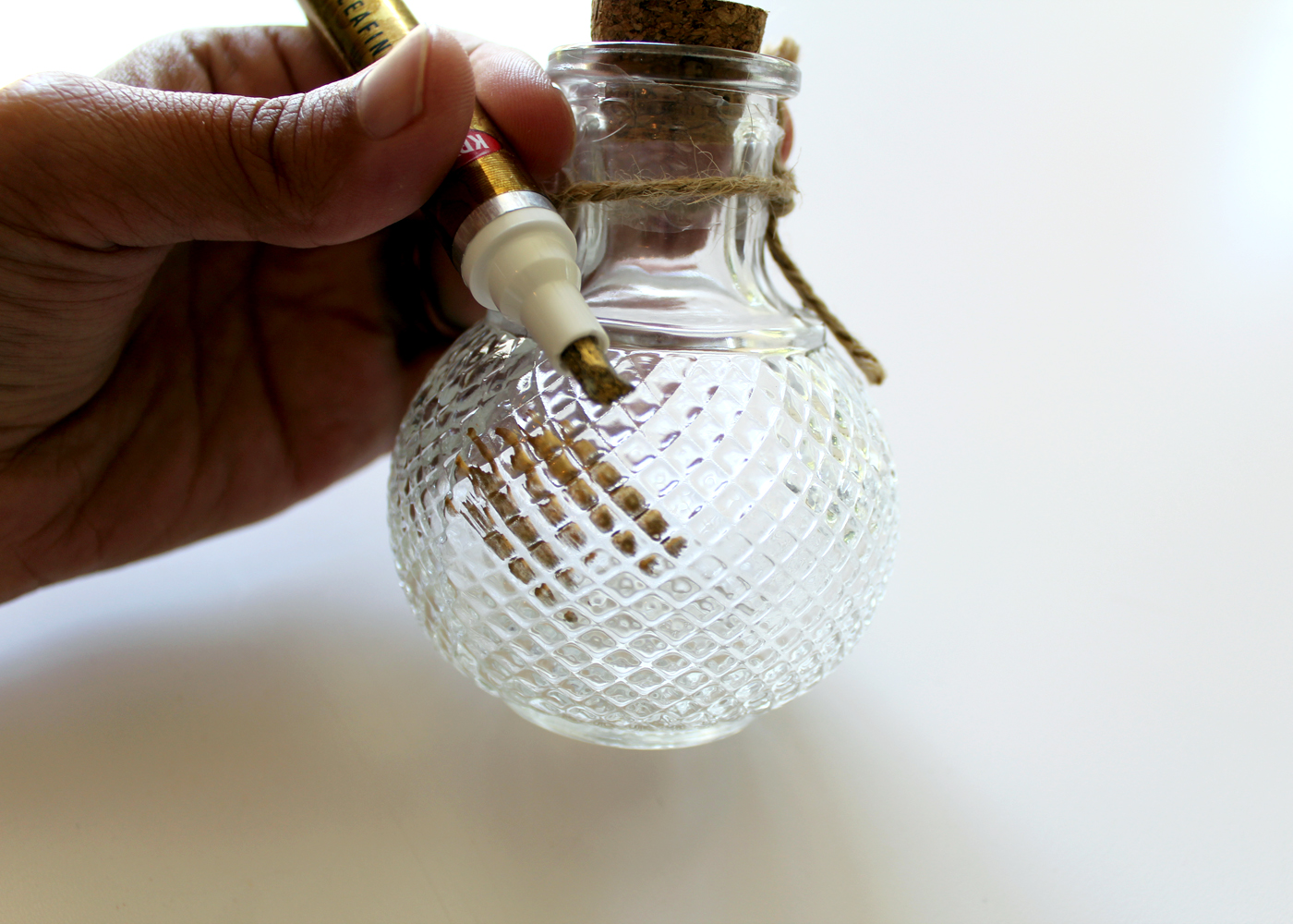 learn how to paint gold leaf onto glass bud vases