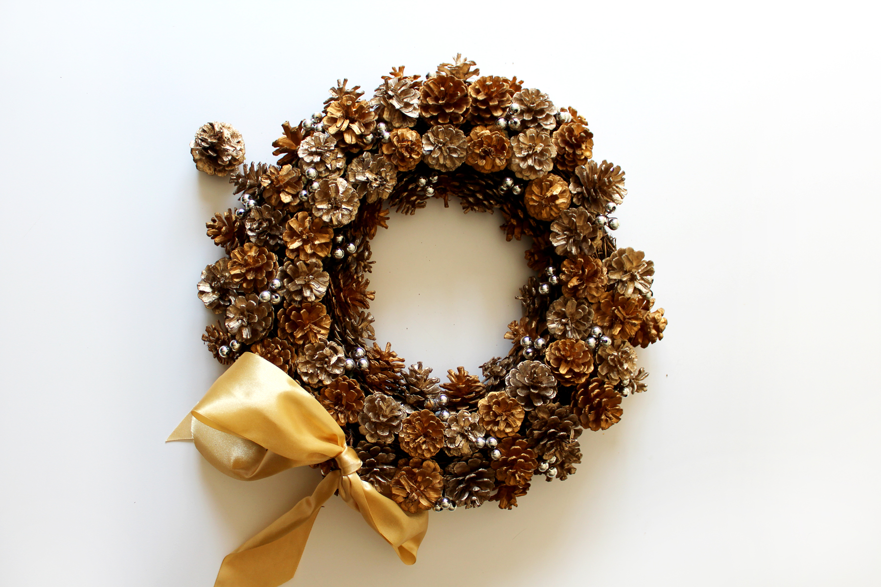 thrifted wreath (before)