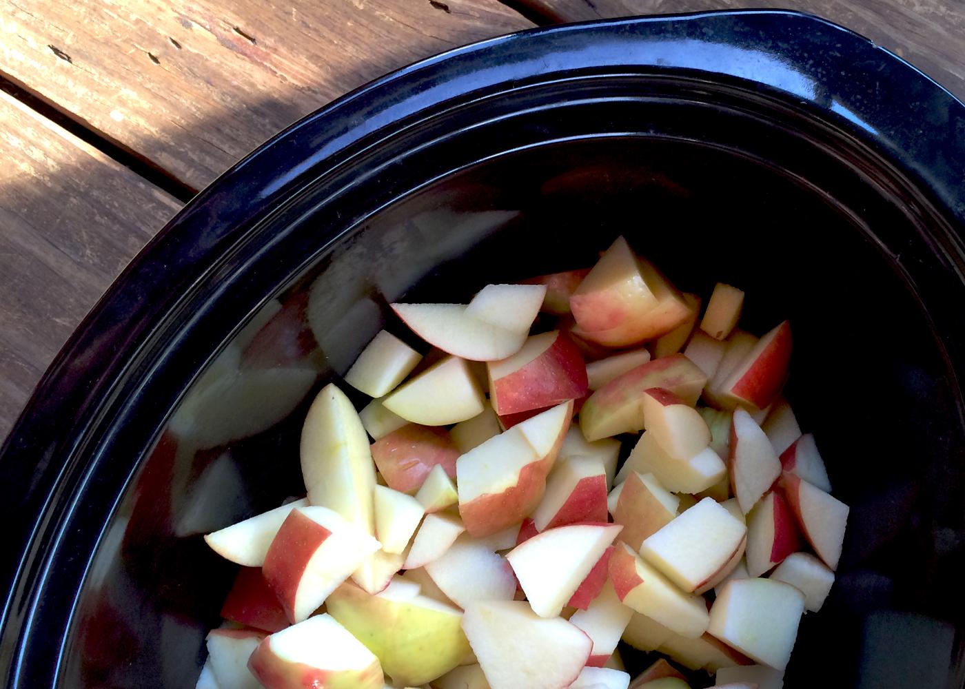 homemade applesauce in the crockpot