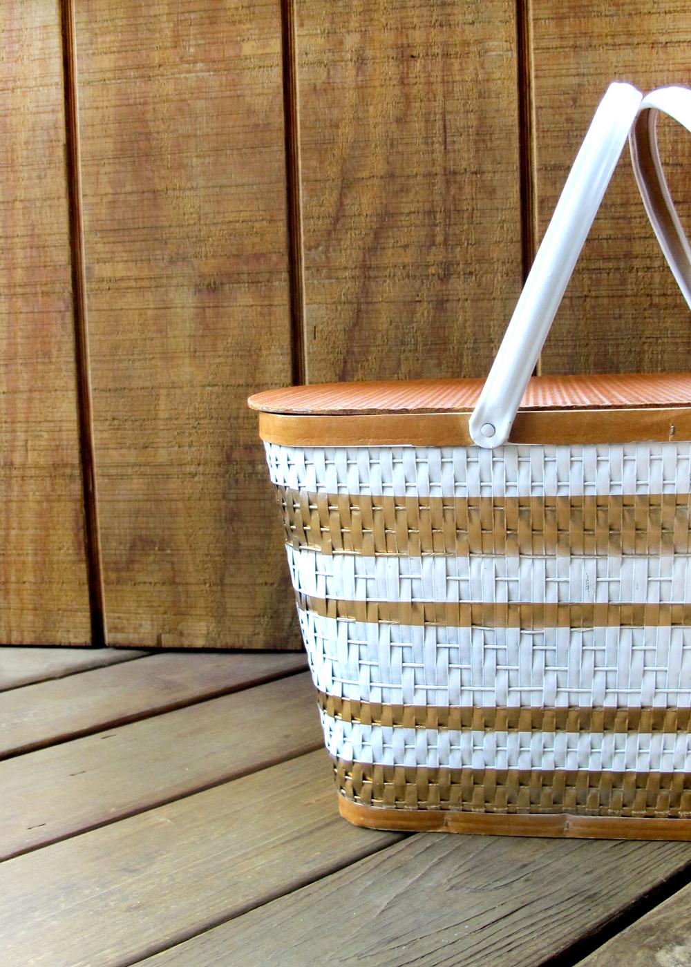 spray painted picnic basket tutorial