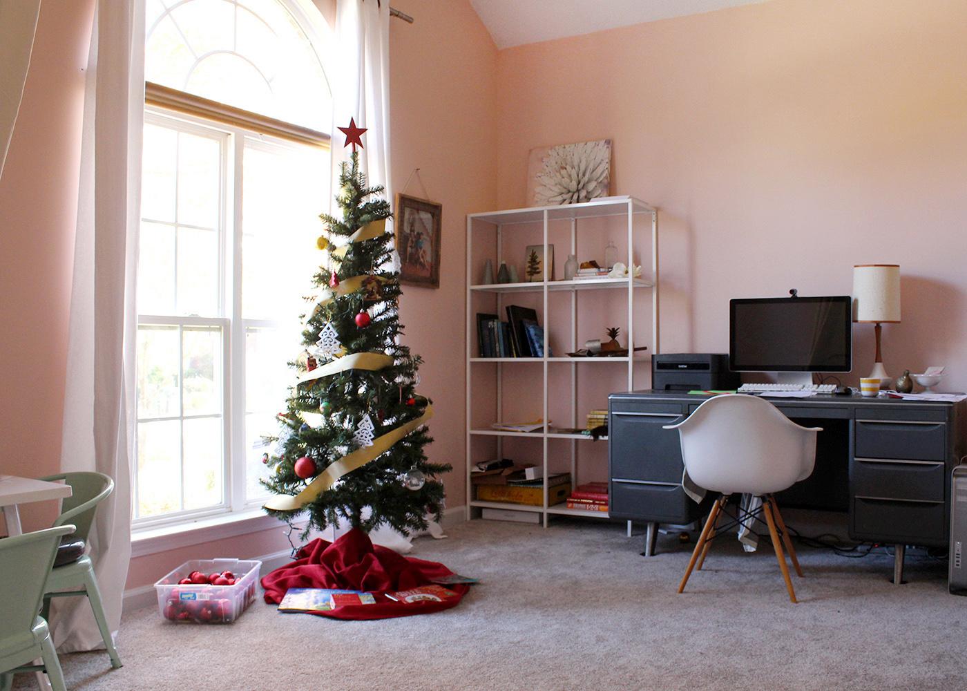 fun idea for a kids tree! modern Christmas home tour