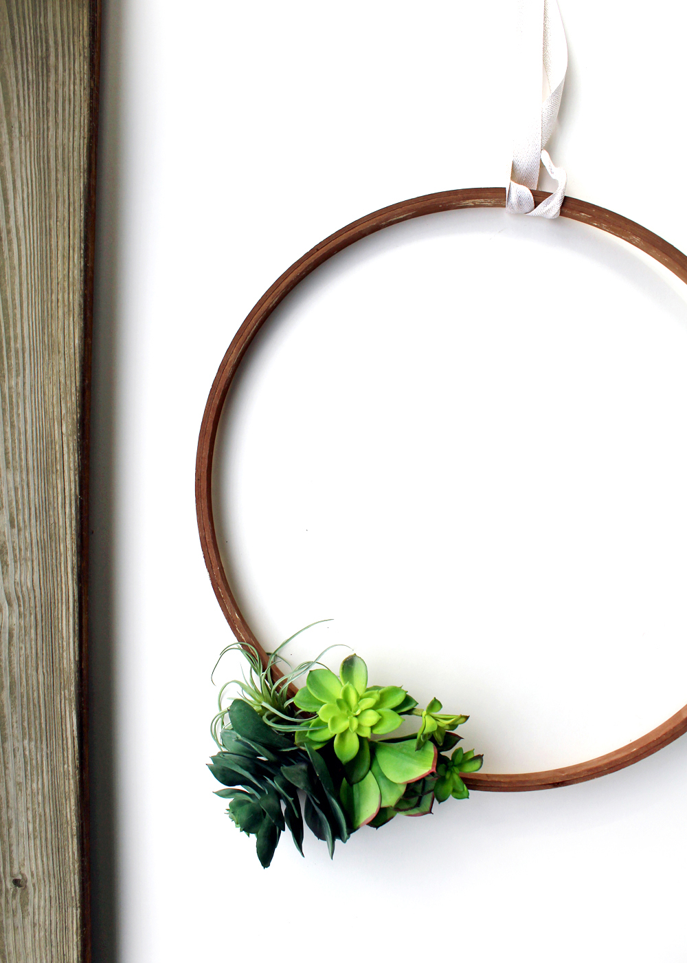 make a faux succulent wreath | adding cheer with the color green this winter
