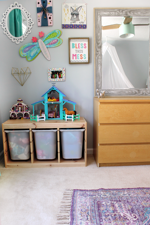 Girl's bedroom with SW Misty blue paint & Cranbrook ceiling fan