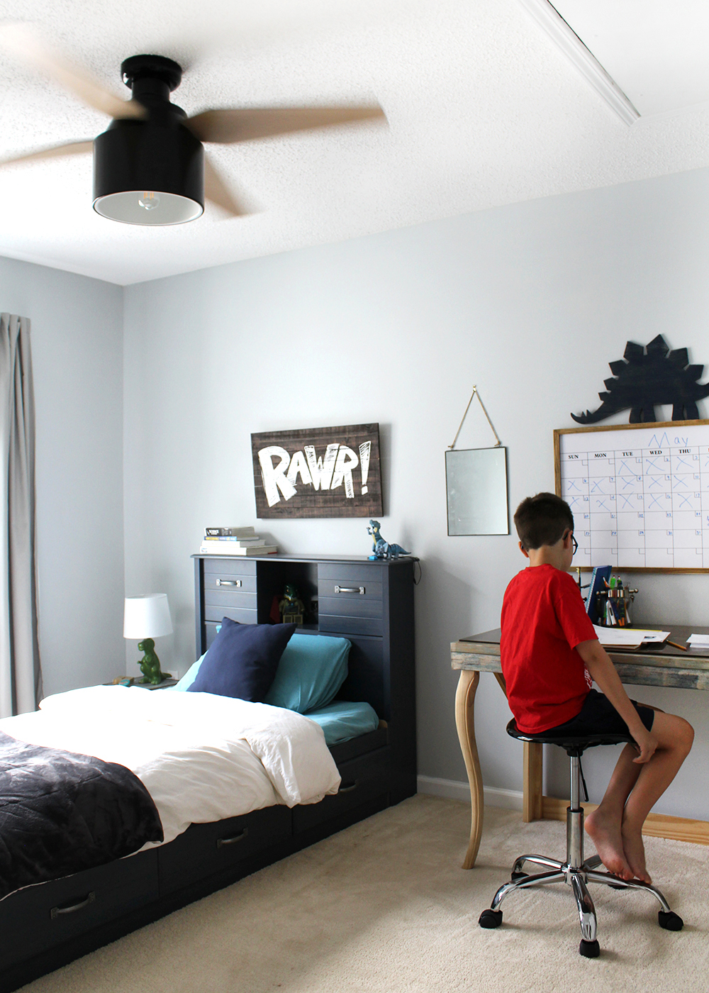 10 year old bedroom with Cranbrook ceiling fan