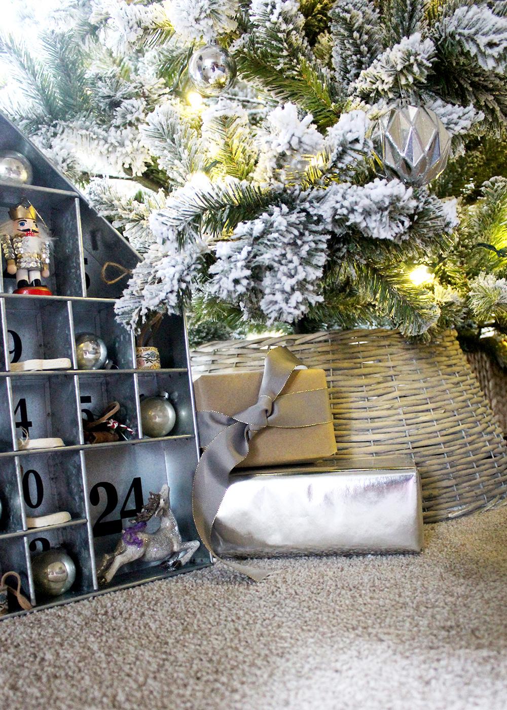 galvanized advent calendar under a flocked Christmas tree #ChristmasDecor #FlockedTree