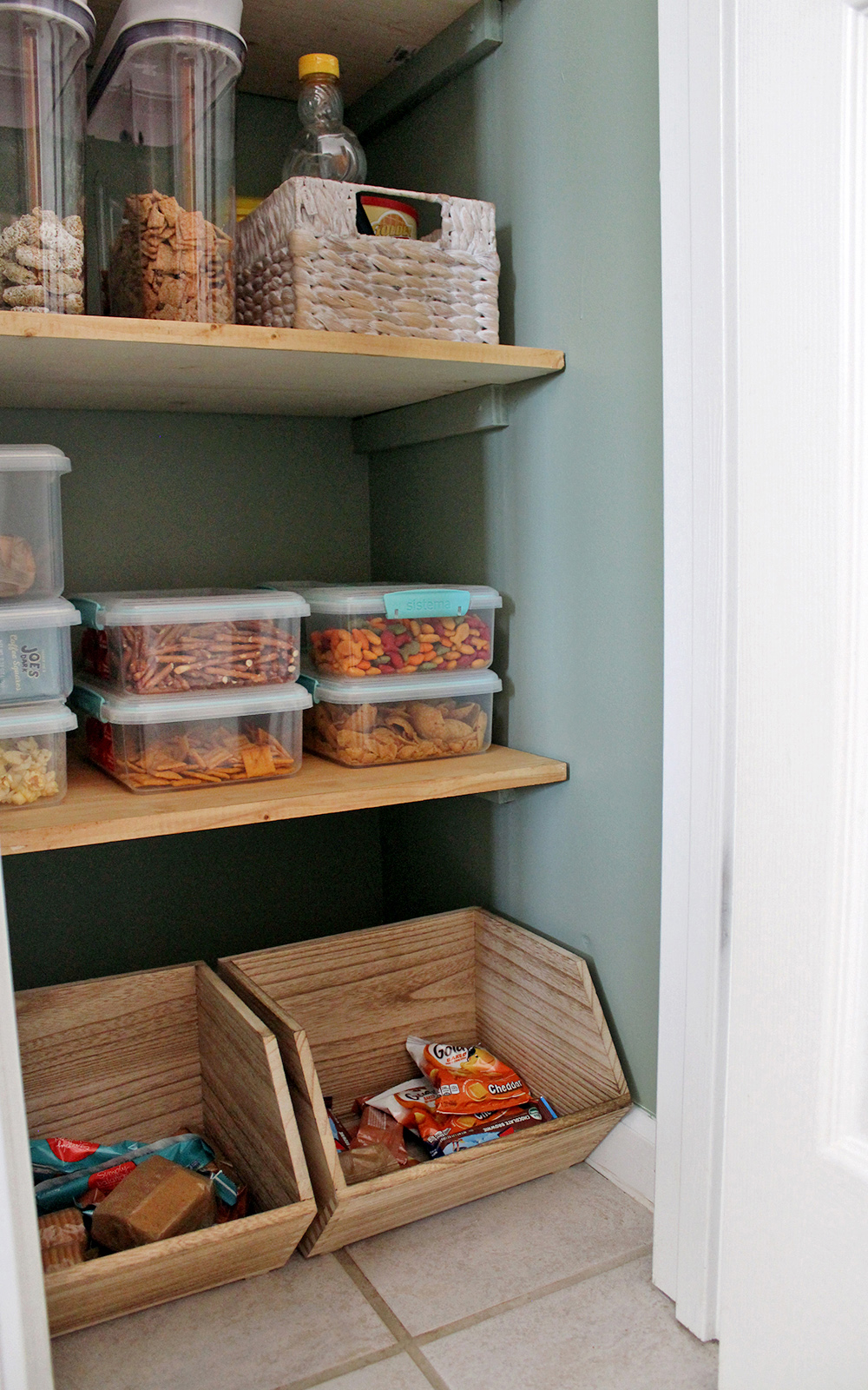6 Practical Tips for Storing More in a Kitchen Pantry