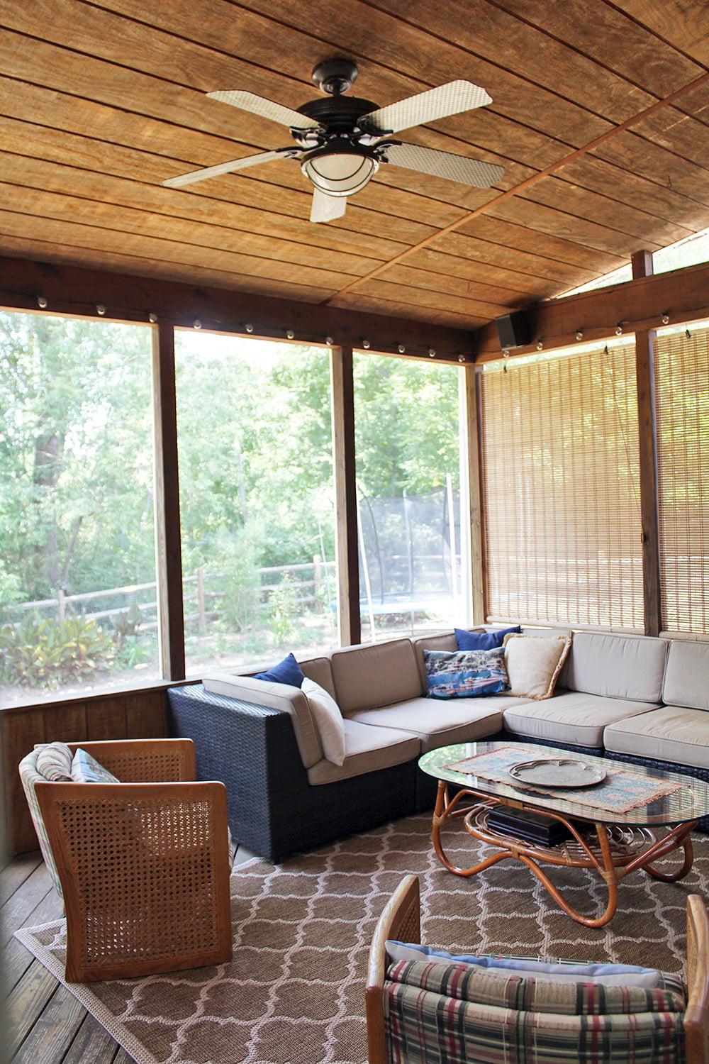 10 Screened In Back Porch Ideas