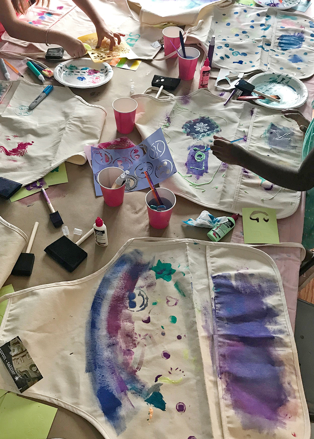 a station for apron painting #birthdayparty  #kidsparty