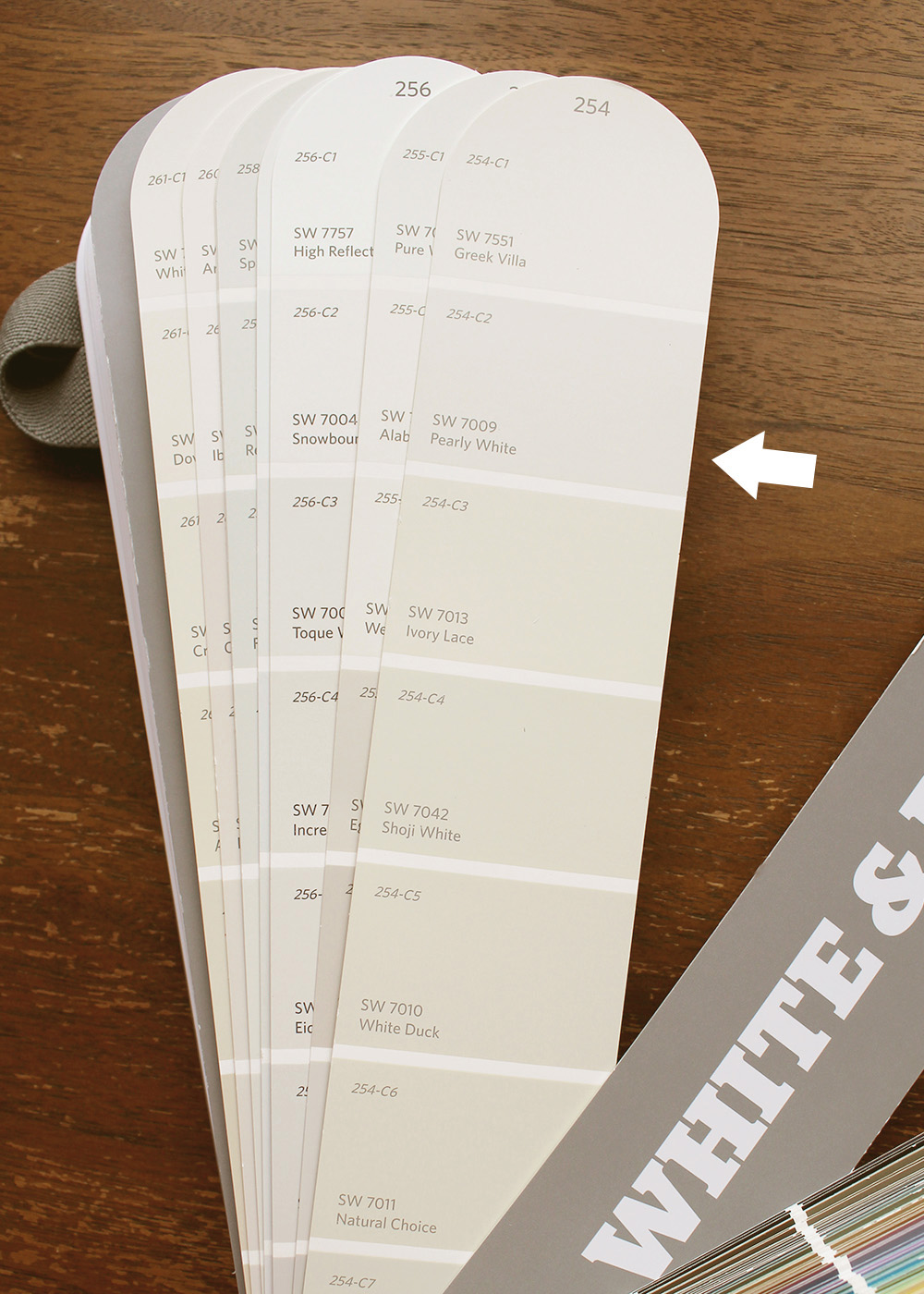Sherwin-Williams Pearly White SW 7009   10 best Sherwin-Williams White Paint Colors