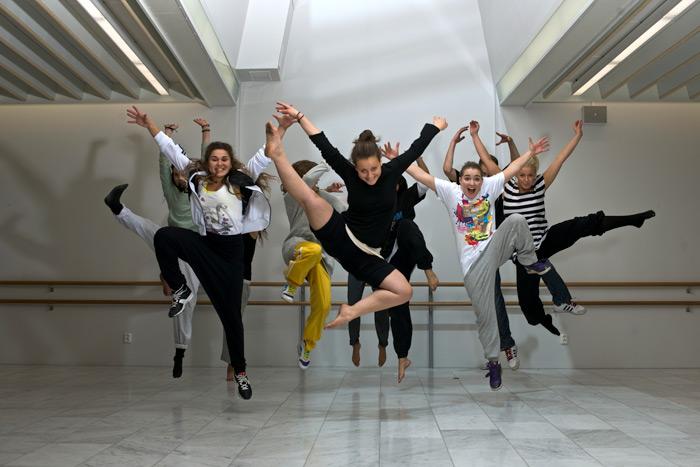 dancegroup1.jpg