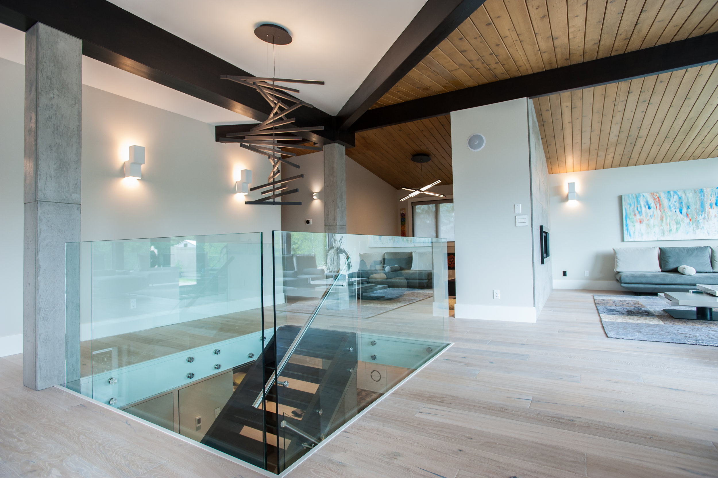 Diamond Contracting & Revolving Rooms Interior Design