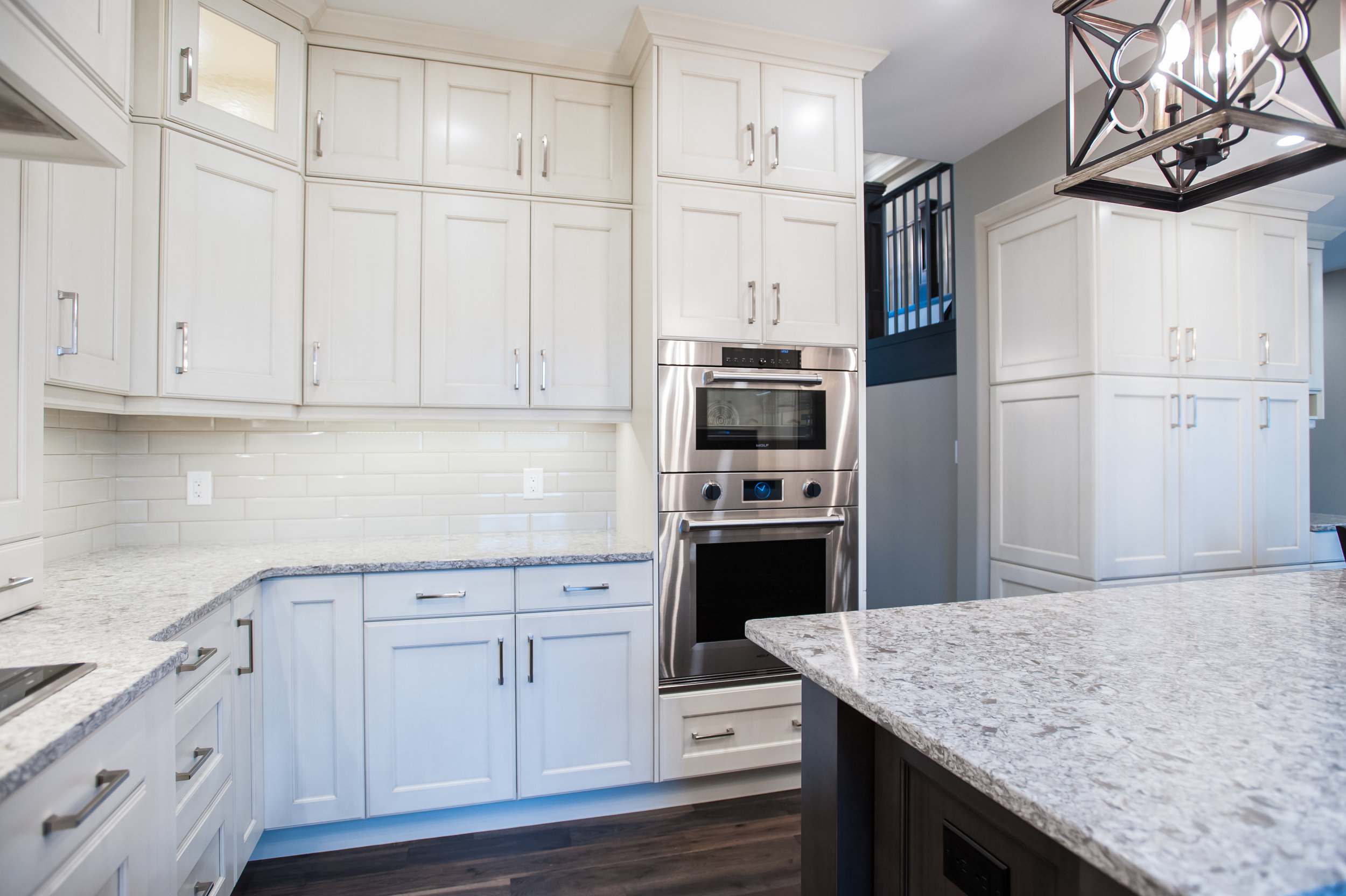 traditional_white_kitchen_cabinetry