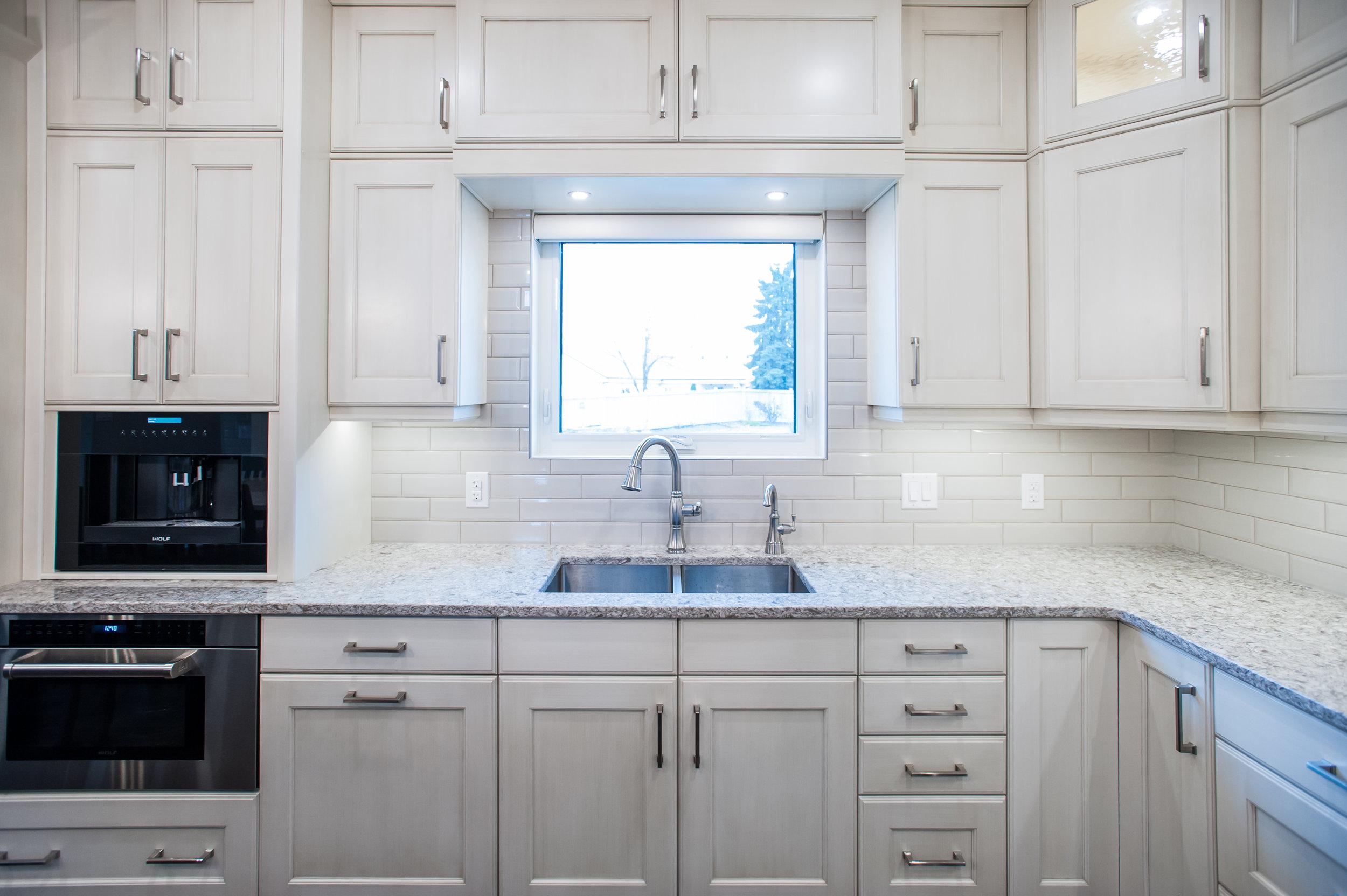 traditional_kitchen_sink_window