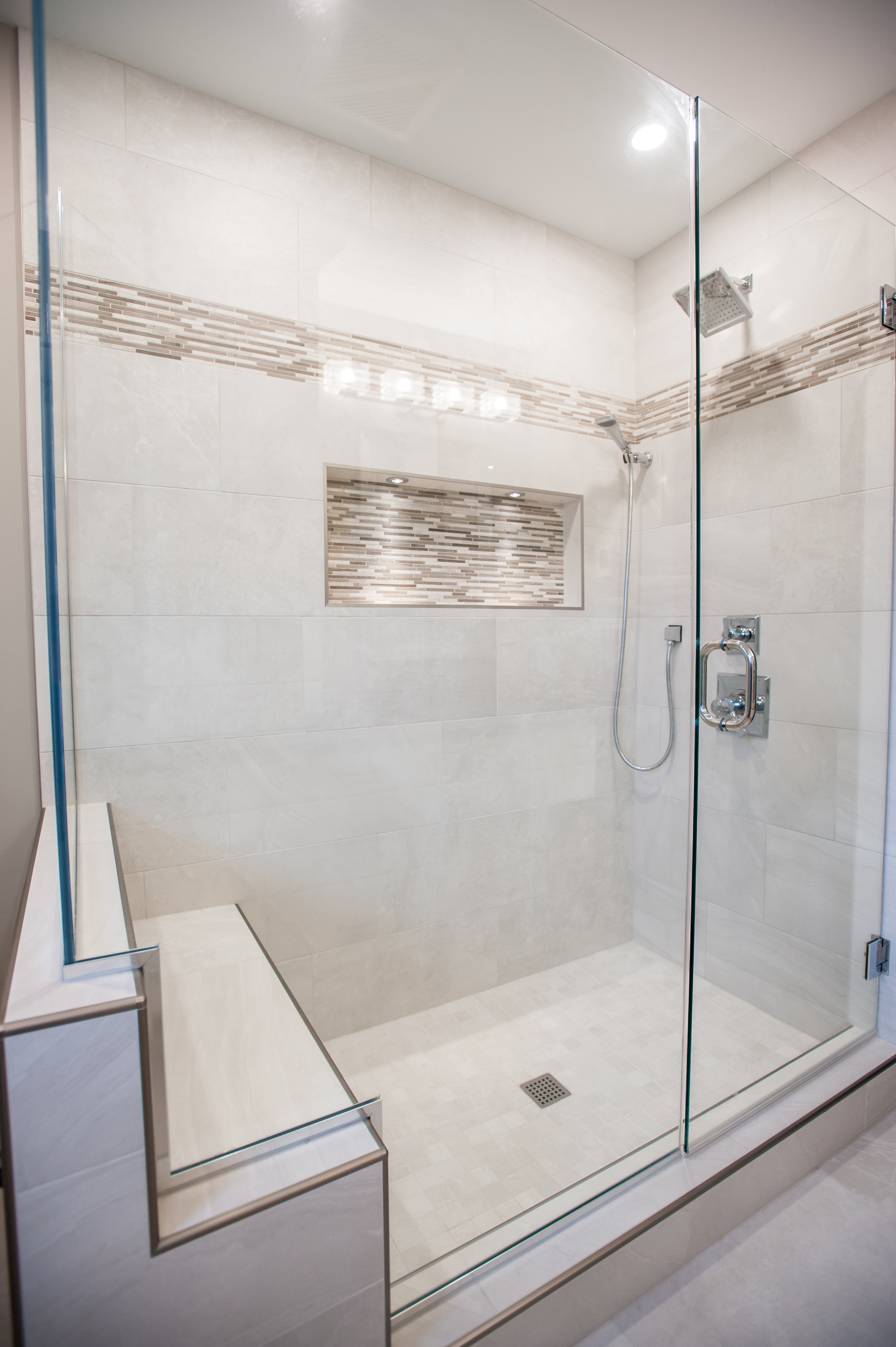 traditional_master_bath_shower