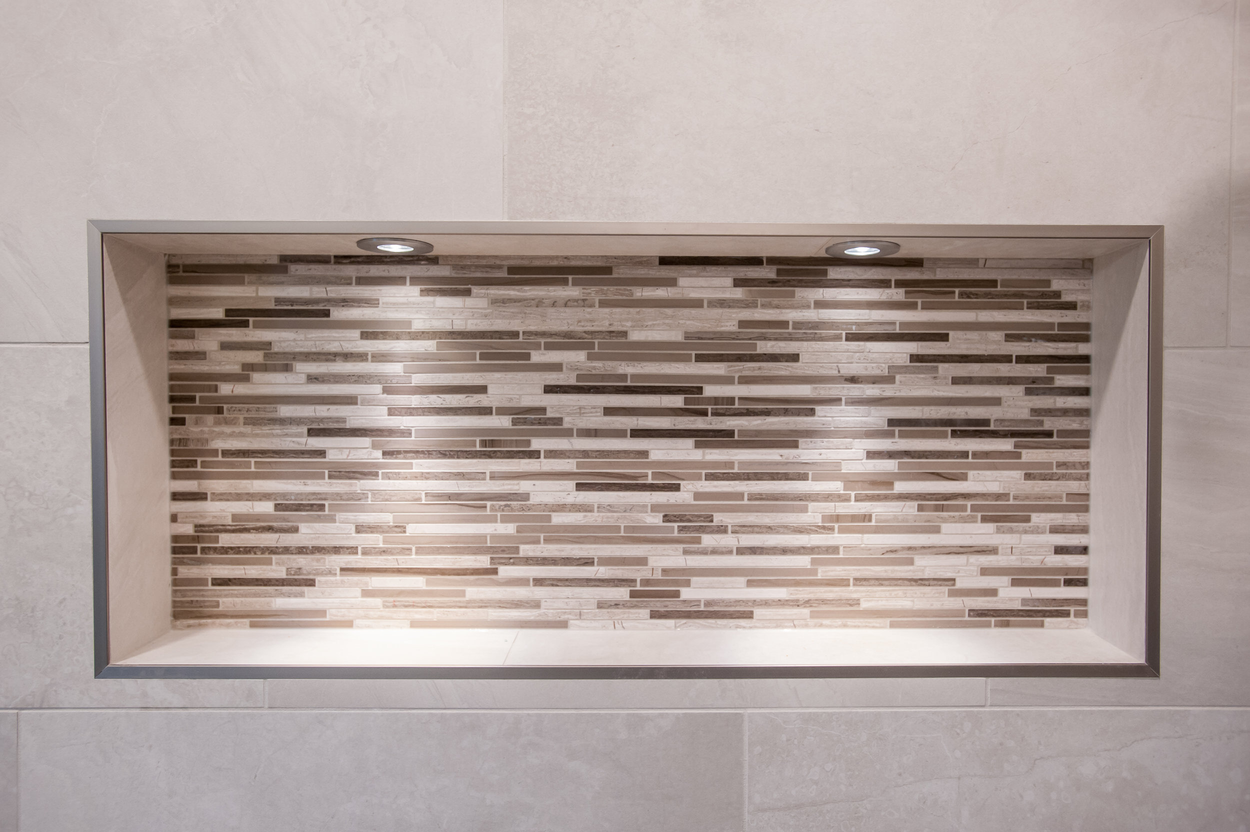 traditional_tiled_shower_niche