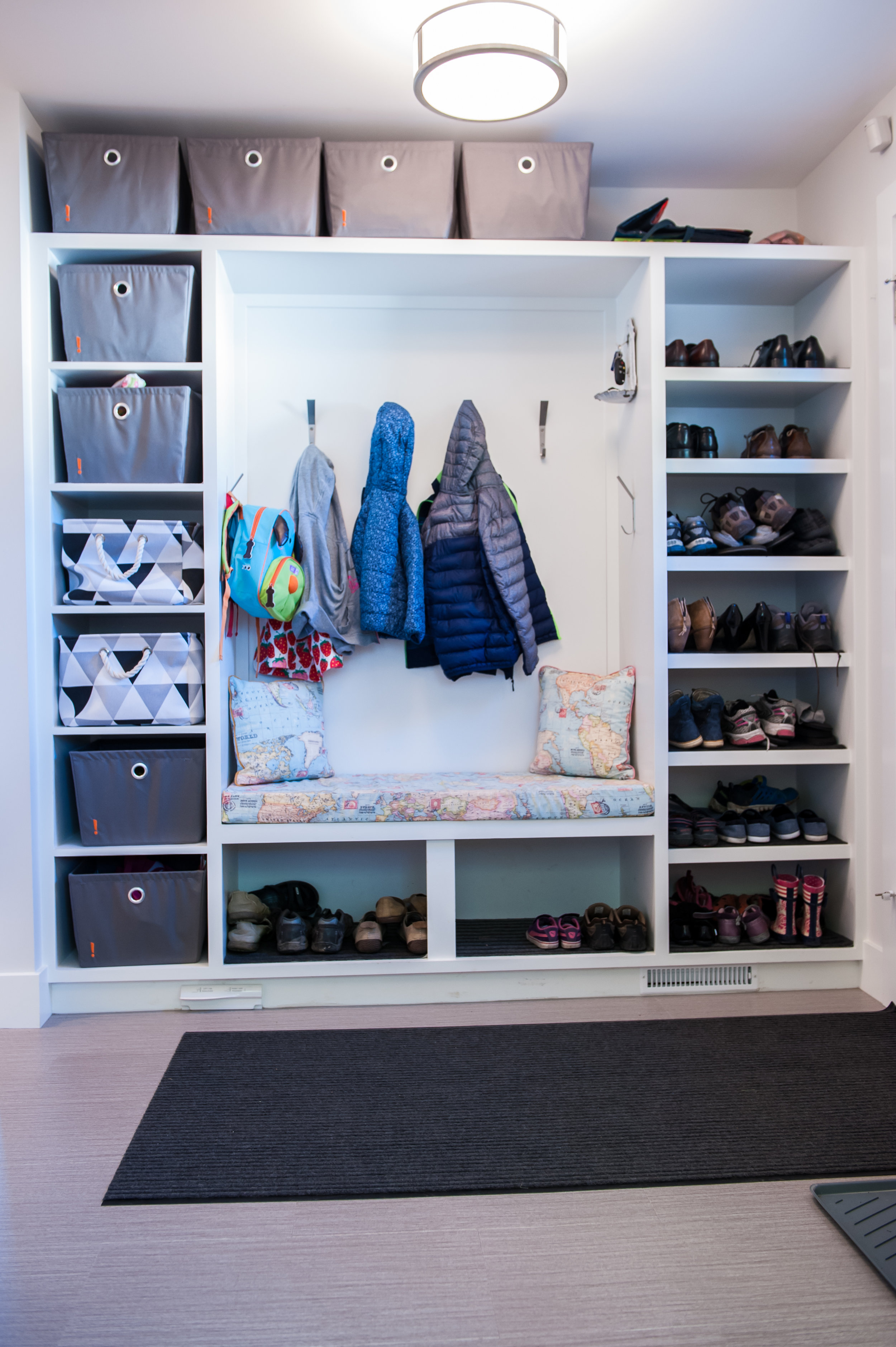 modern_mudroom_builtin_storage