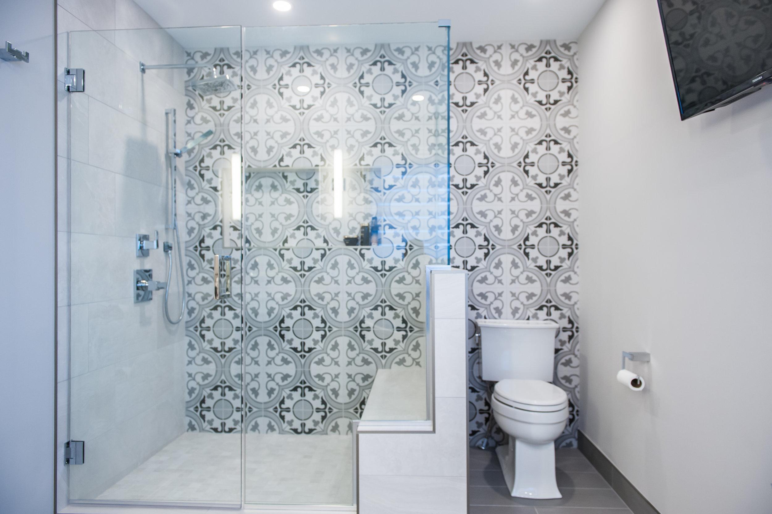 stubwall_shower_mosaic