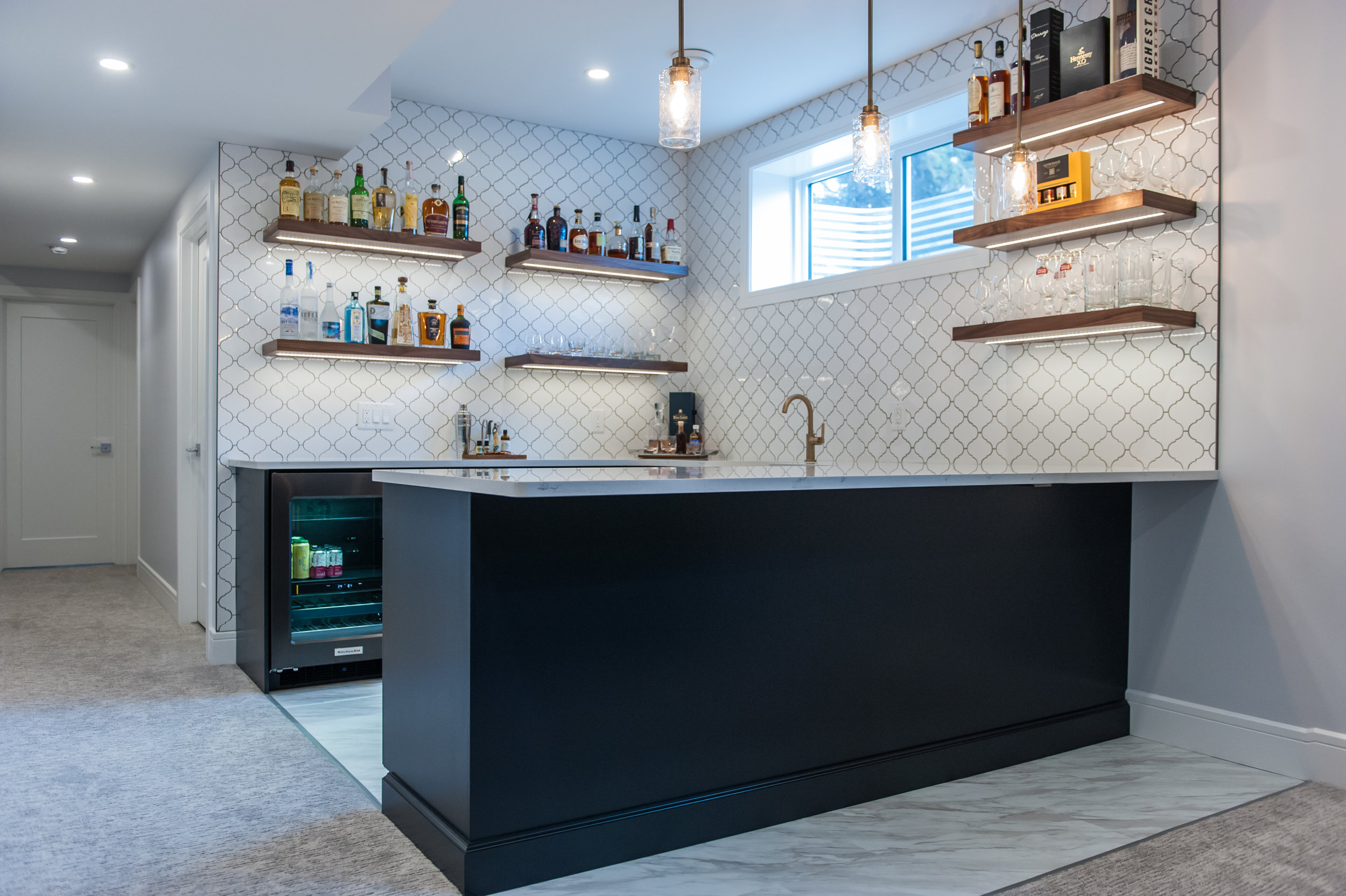 bar_blue_cabinetry_navy