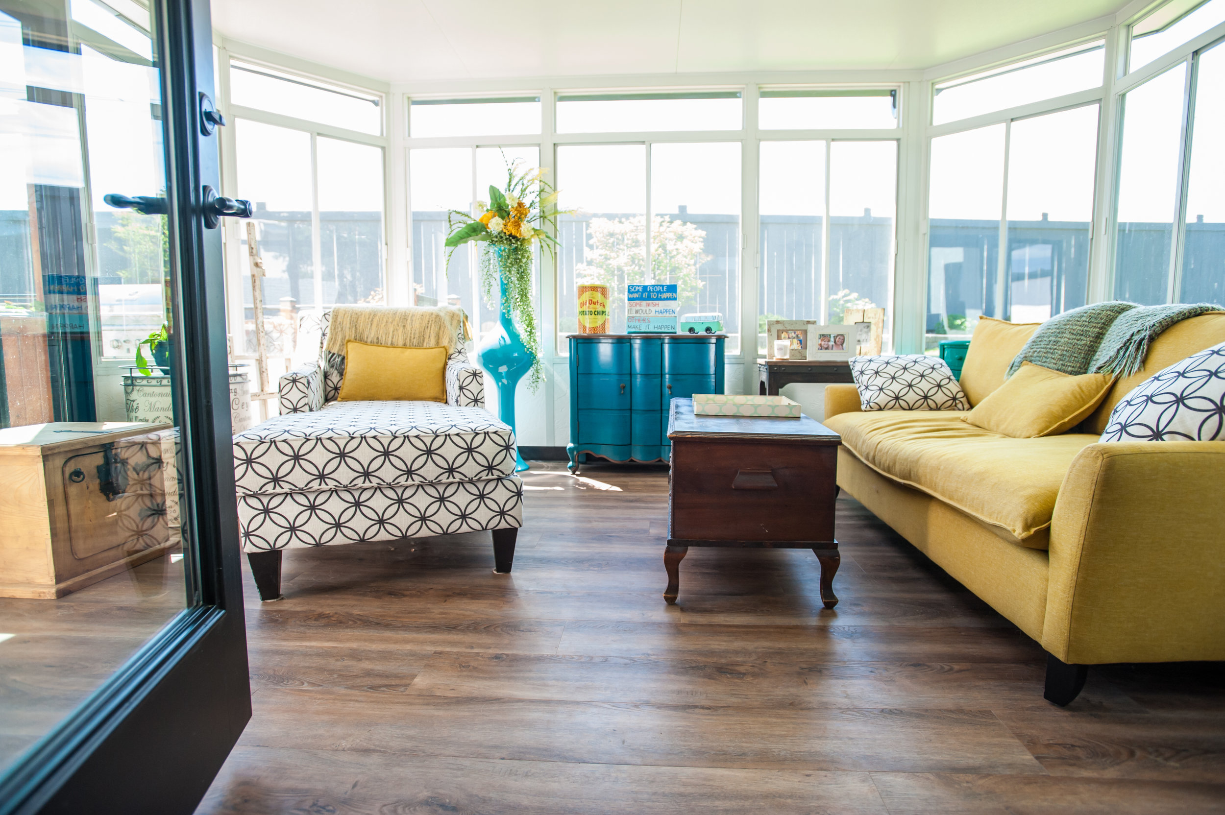 sun_room_LVT_floor