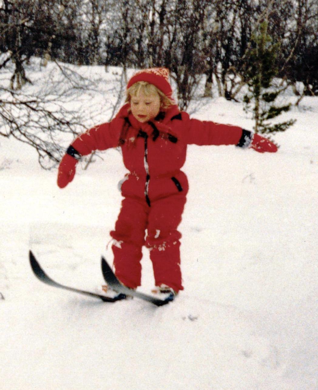 Kjersti´s love for the snow at age 6