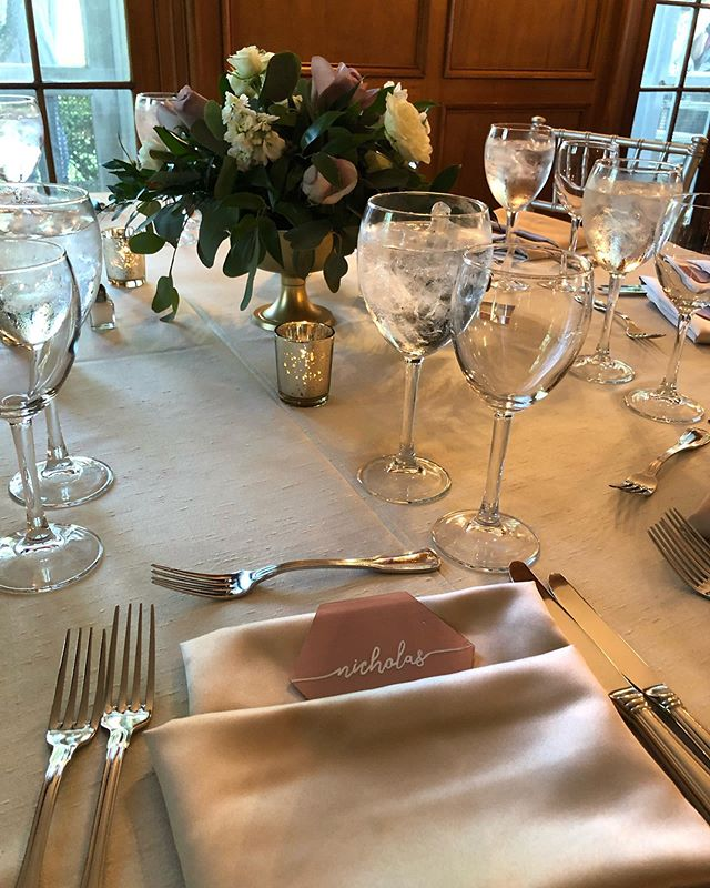 Check out this beautiful glass etched place card 🍸 🍸 🍸 #placecards #glassetching #weddings #eventplaning #weddingseason #events #catering #dccatering #toyourtaste
