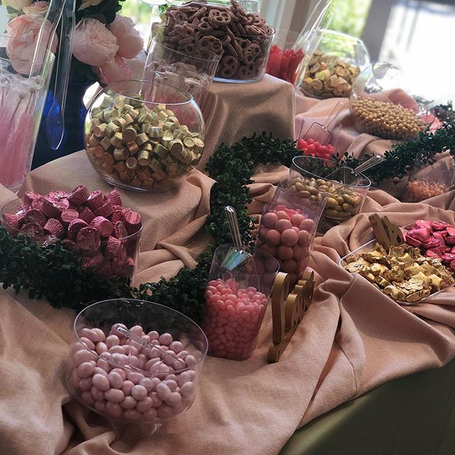 Brides love our candy stations 🍸 🍸 🍸 🍸 🍸 #weddings #candystation #candy #eventcoordination #bride #dccatering #catering #events #toyourtaste